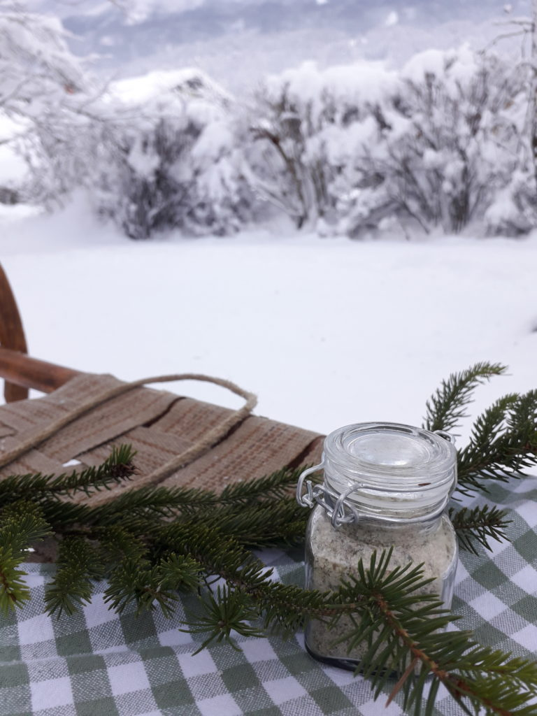 Badesalz mit Fichtennadel selber machen - Erkältungsbad